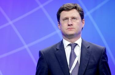 Новак рассказал о договоренности стран ОПЕК+ сократить добычу нефти